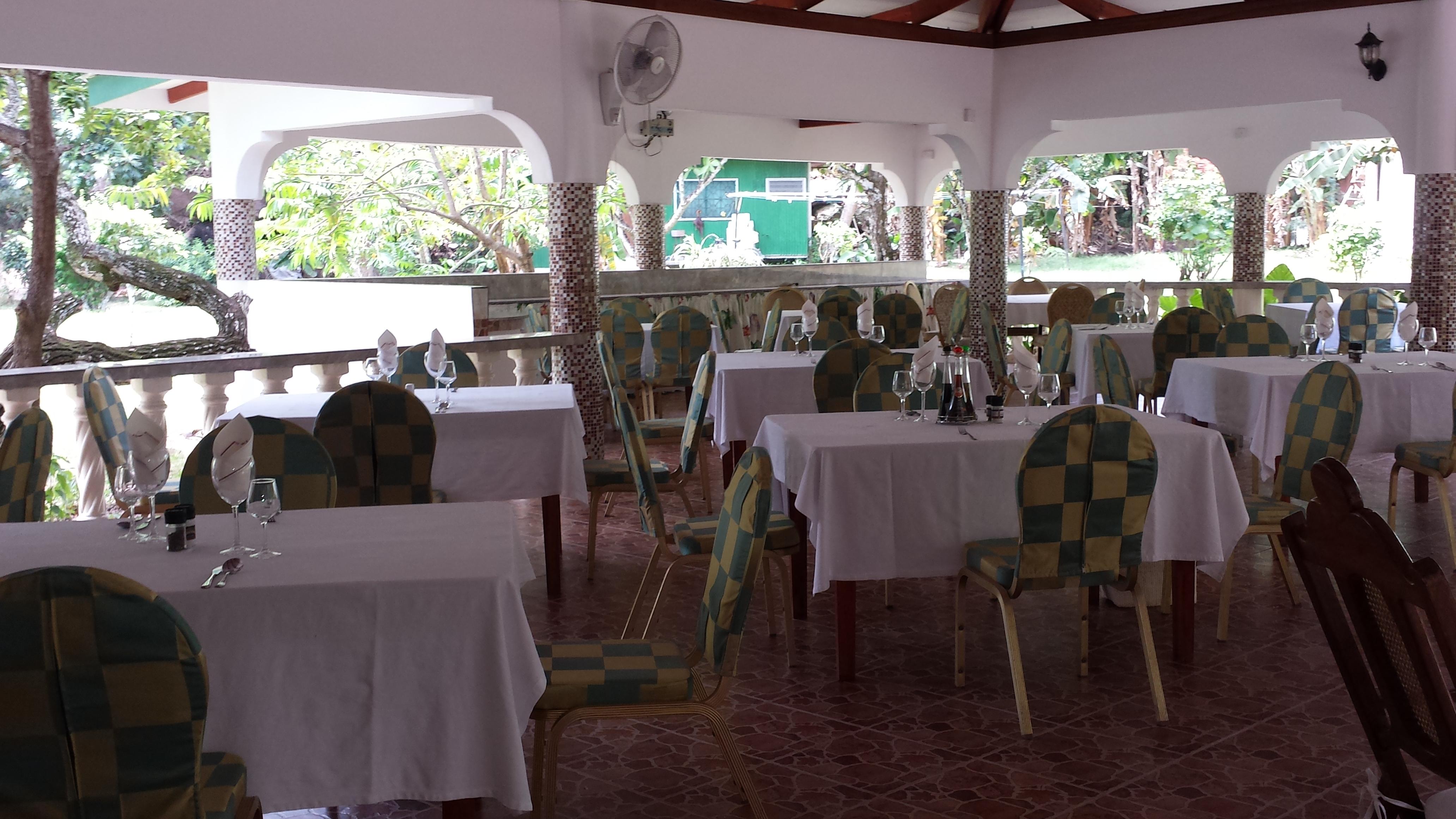 Bamboo Chalets Authentic Creole Restaurant – La Digue