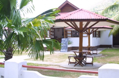 La Goulue Cafeteria - Praslin Island