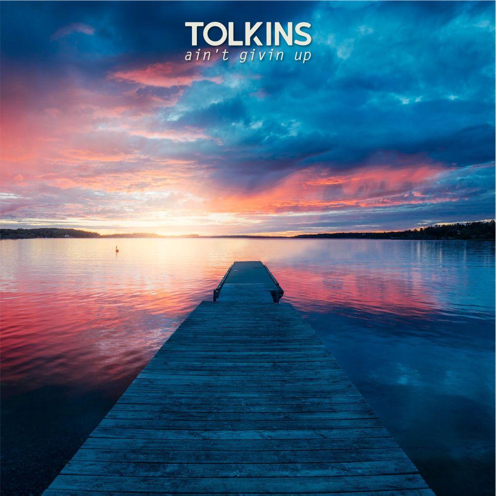 """TOLKINS ci trasporta in un universo di spensieratezza, relax e """"good vibes"""" con il suo primo Ep """"AIN'T GIVIN UP"""""""