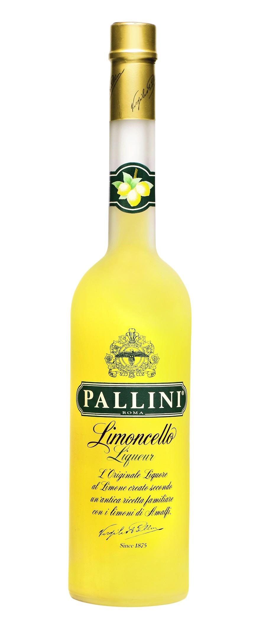 Nel LAZIO, ITALIA con il LIMONCELLO PALLINI, dal 1875, prodotto a Roma con le scorze dei limoni IGP Sfusato della Costiera Amalfitana