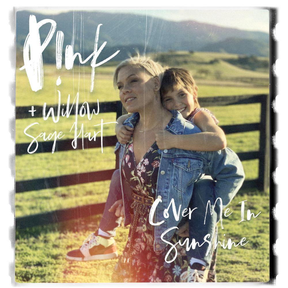 """P!NK: è uscito oggi """"COVER ME IN SUNSHINE"""", il nuovo atteso brano in duetto con la figlia Willow!"""