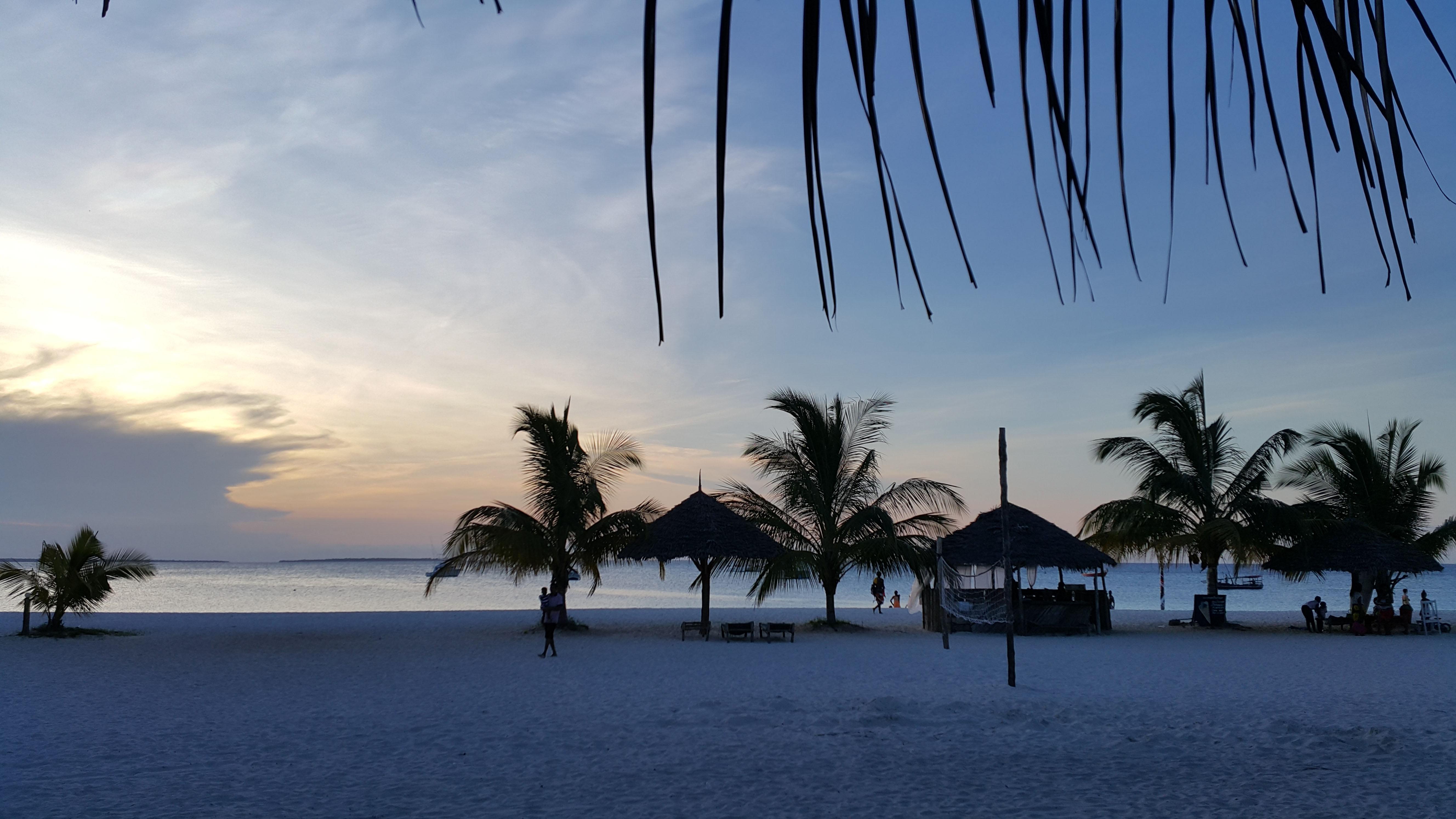 ZanzibarViaggi - Sunset Kendwa Offerta Epifania