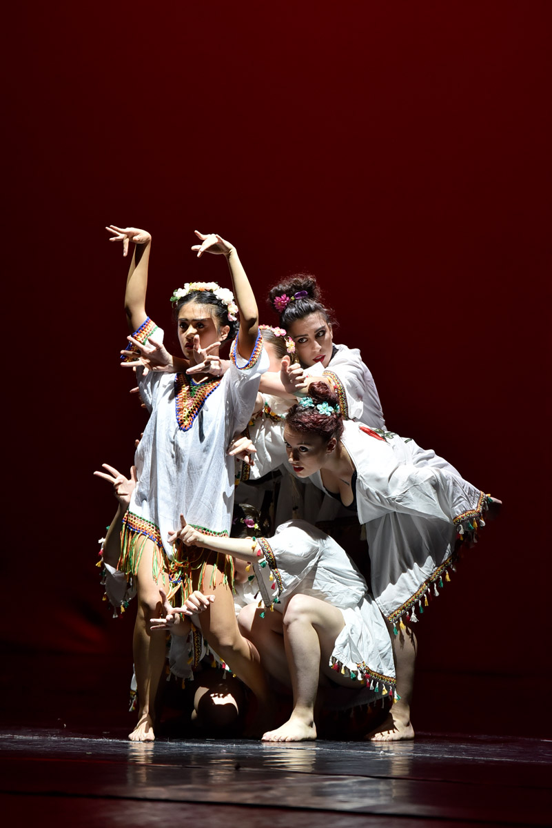 SANTINELLI DANCE  ACADEMY - CONTEMPORARY FUSION