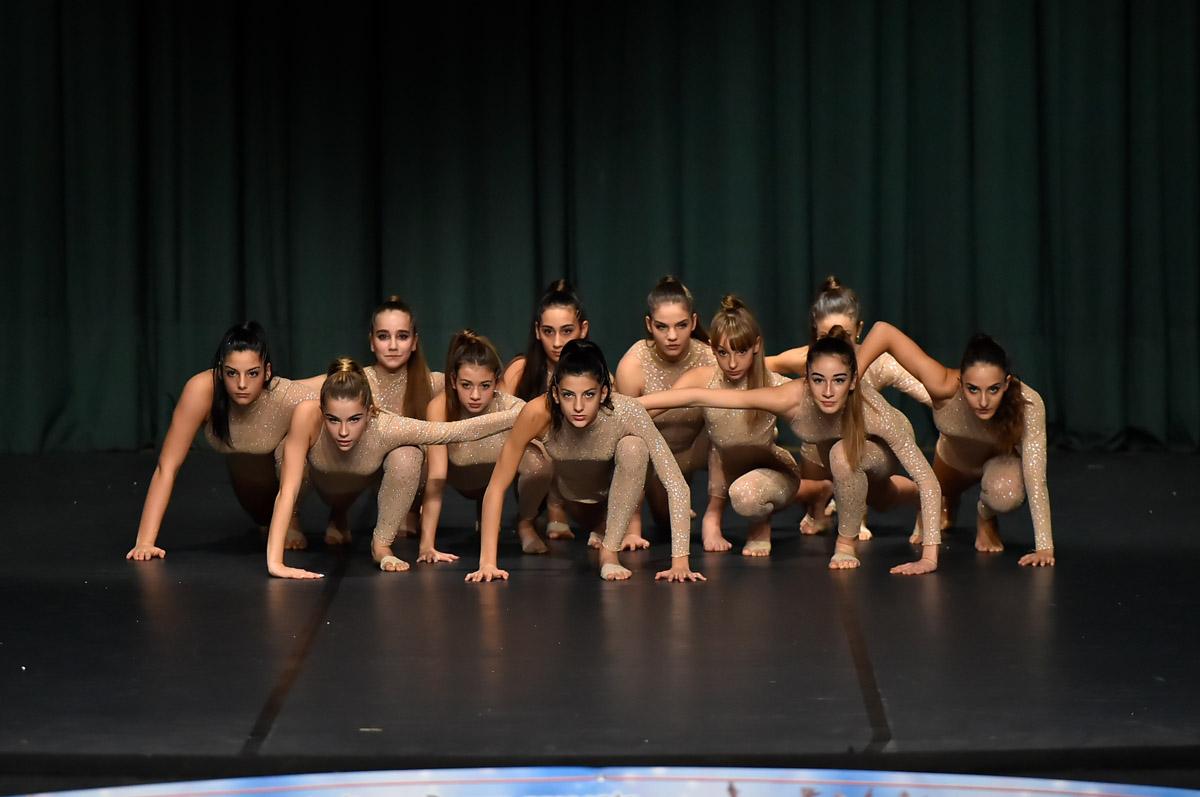 SANTINELLI DANCE  ACADEMY - DANZA MODERNA