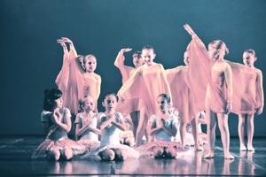 """Laboratorio di danza creativa """"Danzare la magia"""""""