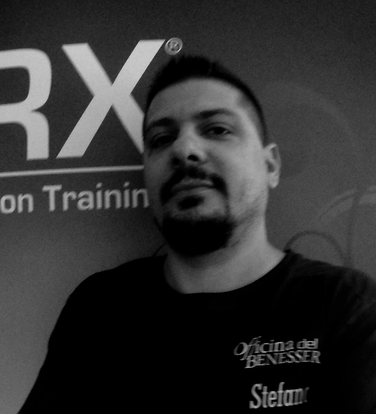 STEFANO LAZZATI Dottore in Scienze Motorie Personal Trainer Istruttore sala Istruttore functional training