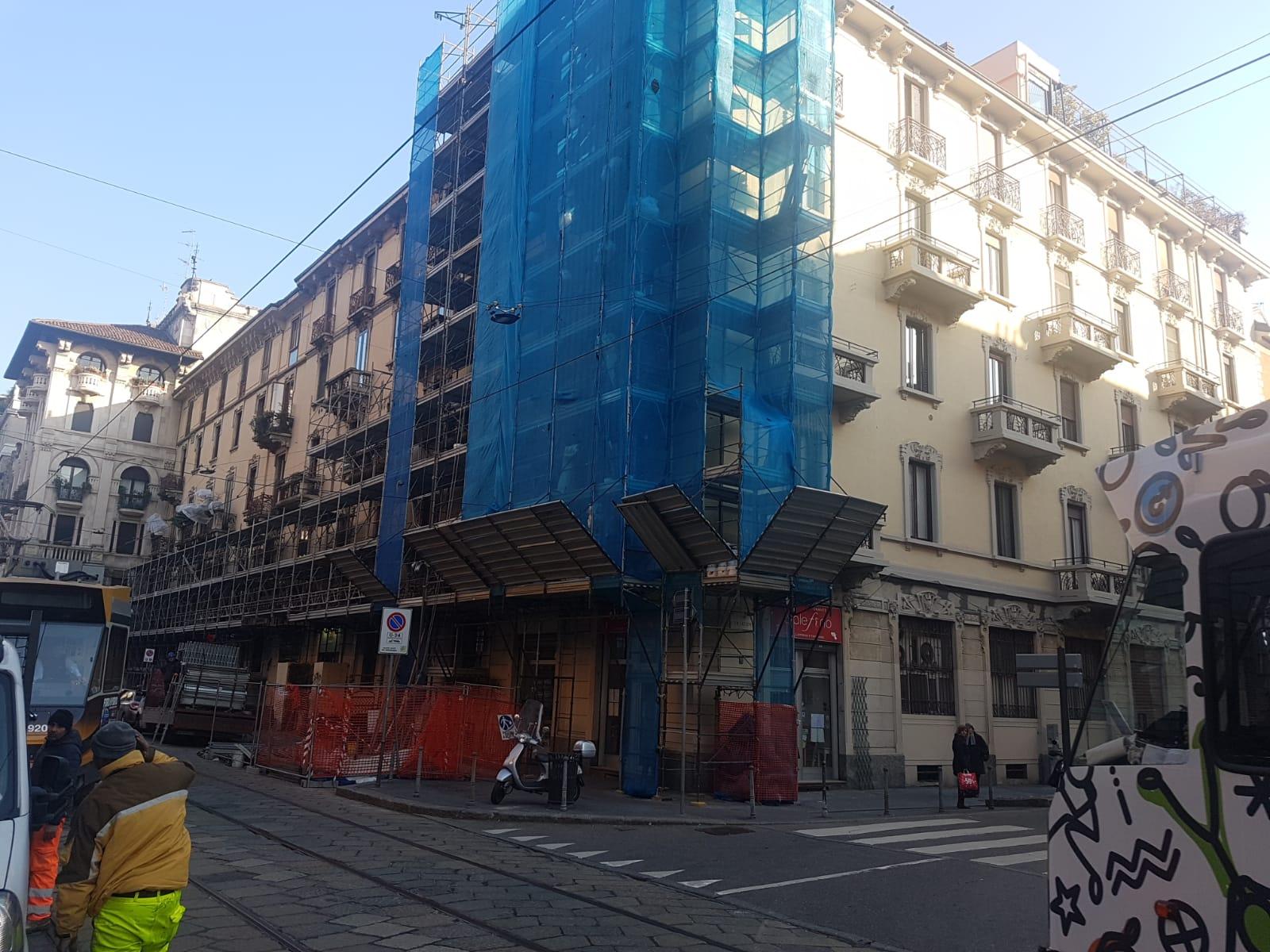 VIA LAMARMORA 36 ANG. CURTATONE - Milano